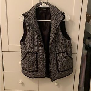 Cute vest NWT
